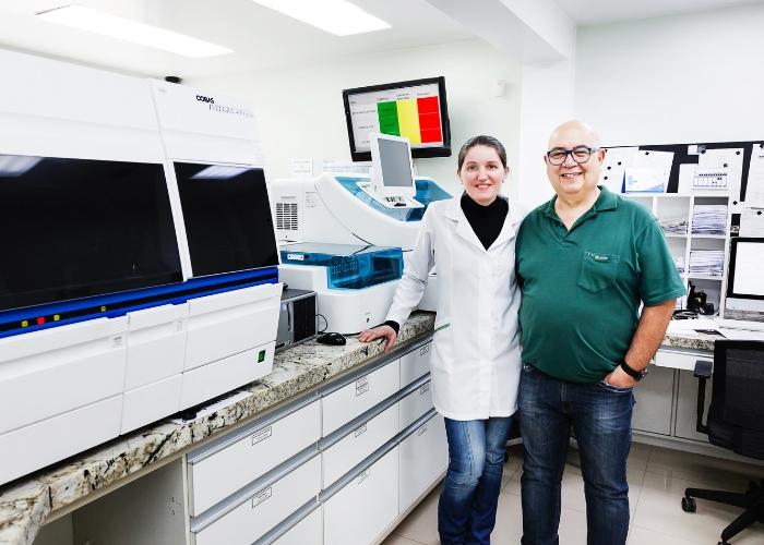 Marisa e Edgar a frente dos serviços do Pró Análise